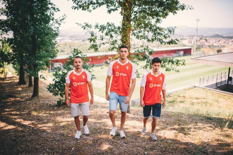 SC Braga: Trio da formação com contrato profissional