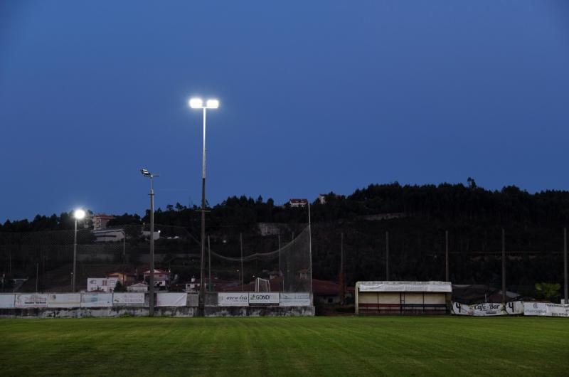 Câmara de Famalicão está apoiar os clubes do concelho na colocação de iluminação LED