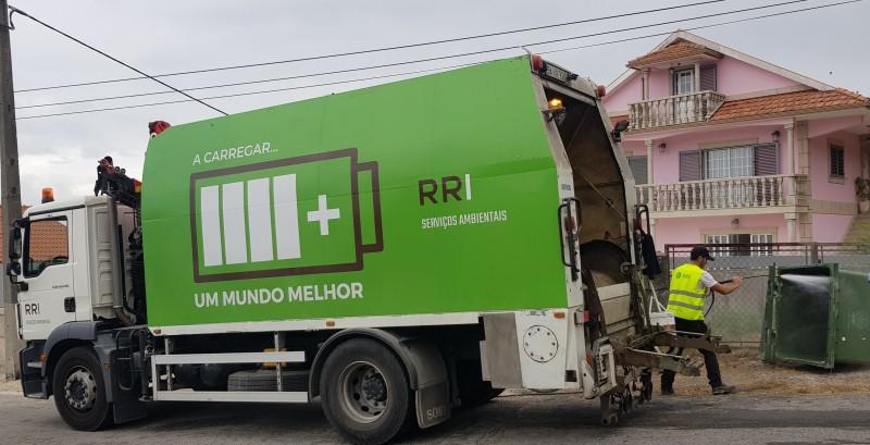 Câmara Municipal desinfeta e limpa contentores, ecopontos e viaturas de recolha de lixo