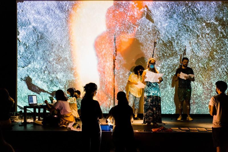 Espectáculo de comunidade arranca nova temporada das media arts