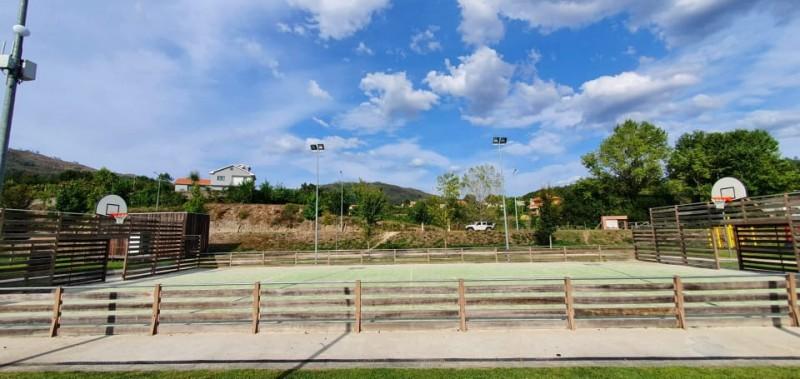 Município colocou cestos de Basquetebol no Parque dos Moinhos