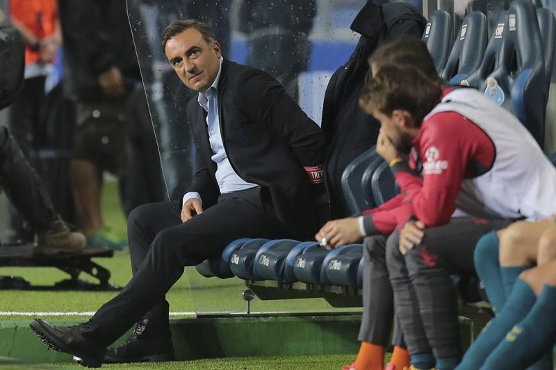 """Carlos Carvalhal: """"Não podíamos sofrer aqueles dois golos perto do intervalo"""""""