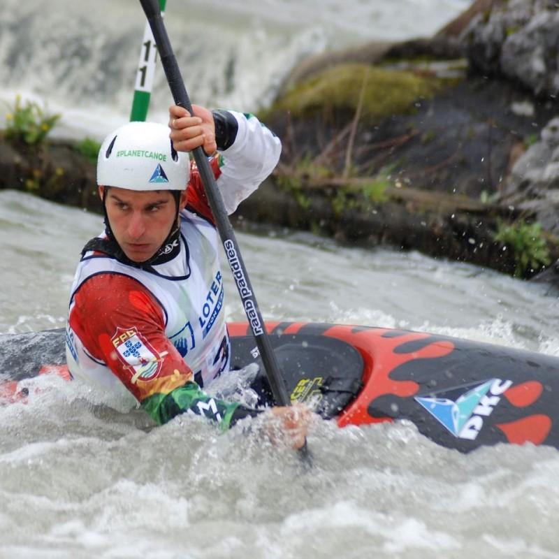 Antoine Manuel Launay, da DKC conquistou o o 12º lugar no Campeonato da Europa de Slalom