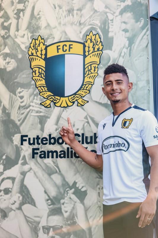 Edwin Herrera reforça lado esquerdo do FC Famalicão