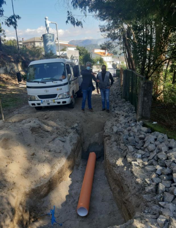 Câmara Municipal da Póvoa de Lanhoso beneficia a Rua de Crasto, em Taíde