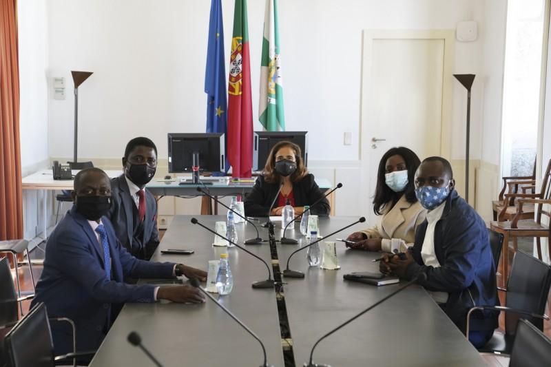 Governo da Guiné-Bissau em Guimarães para cooperação na área cultural