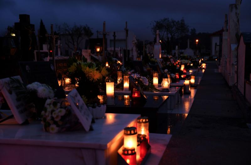 Cemitério Municipal de Famalicão encerra nos dias 31 de outubro e 1 de novembro