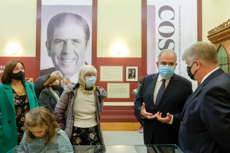 Teatro Municipal Sá de Miranda acolhe exposição ´Amadeu Costa, Homem do Teatro e Etnógrafo´
