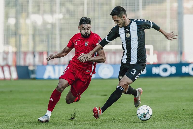 Gil Vicente falha penáltis e sai da Madeira com derrota