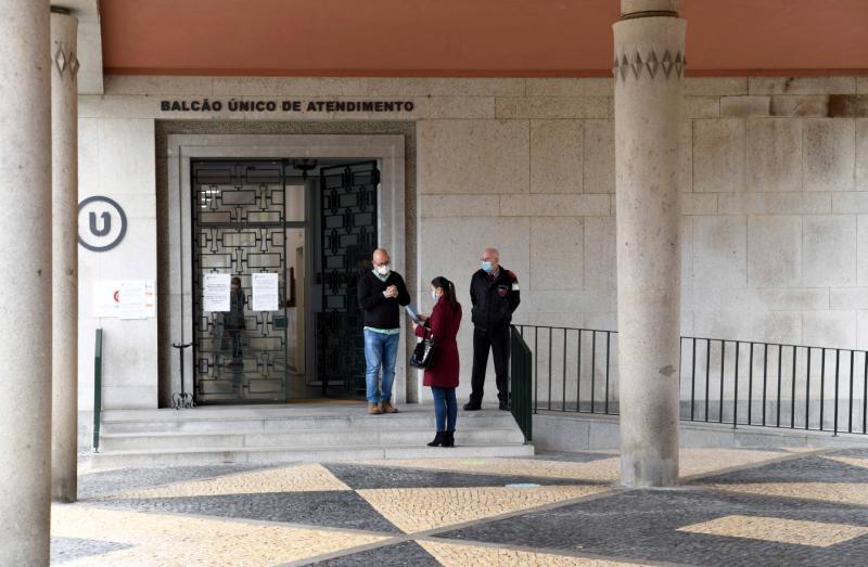 Famalicão vai manter abertos os serviços municipais essenciais nos dias 30 de novembro e 7 de dezembro