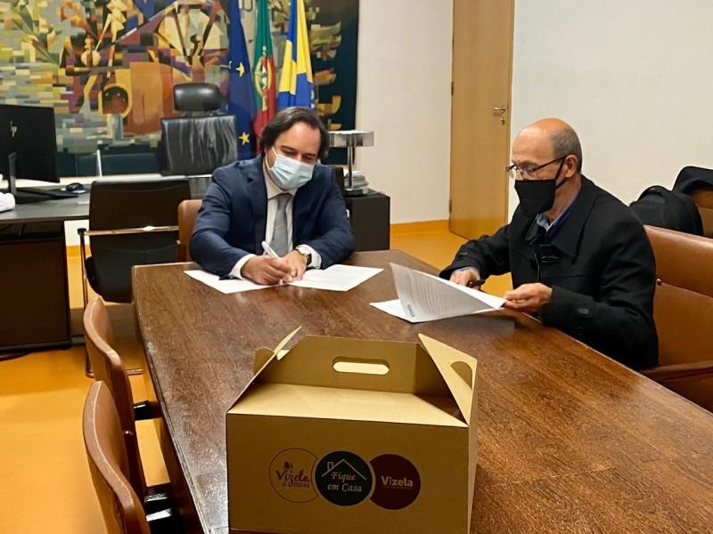 Vizela assinou protocolo com ACIV para prestação do serviço de delivery pelos táxis do concelho