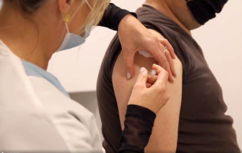 Protocolo da autarquia com farmácias garante vacinação a meio milhar de cerveirenses seniores