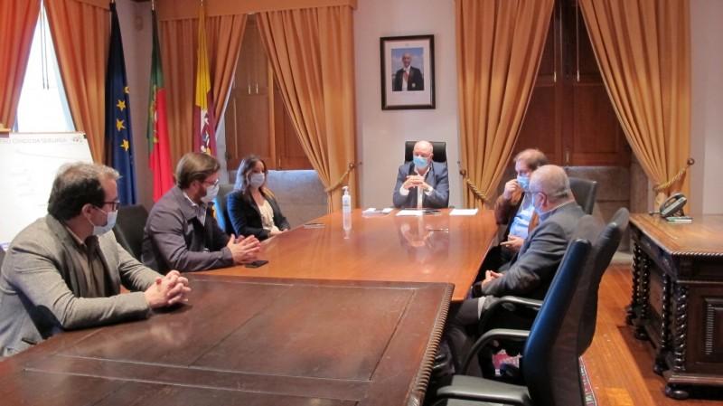 Câmara Municipal assinou o Auto de Consignação da Empreitada de 'Requalificação do Centro Cívico da Queijada'