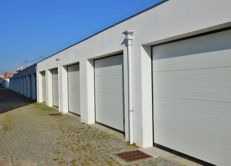 Município lança hasta pública para venda das garagens da habitação social de Apúlia