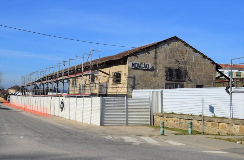 Antigo armazém da CP ganha nova vida com habitat criativo de empresas
