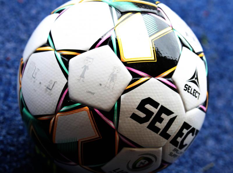Taça da Liga: Bola da final rola com sonhos de crianças