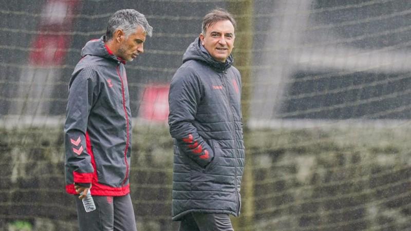 """Carlos Carvalhal: """"Sentimento de orgulho pelo comportamento da equipa"""""""