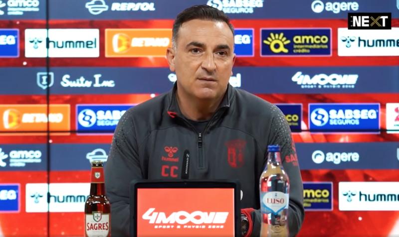 """Carlos Carvalhal: """"Tivemos onze ocasiões para marcar"""""""