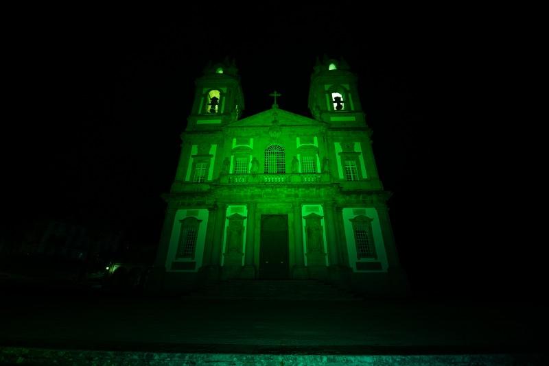 Bom Jesus iluminado de verde no St. Patrick´s Day