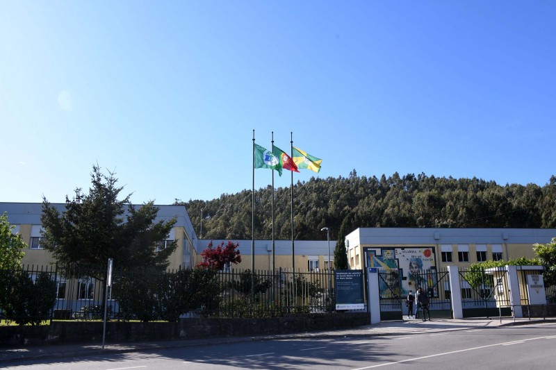 Famalicão conclui processo de remoção de fribrocimento das escolas do concelho