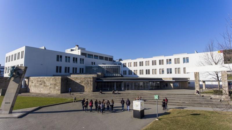 Universidade do Minho abre as suas portas em formato online