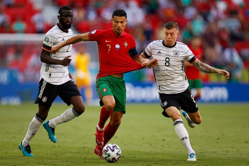 Euro 2020: Banho de golos termina com derrota portuguesa
