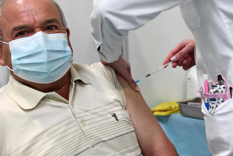 Câmara de Famalicão contrata enfermeiros para acelerar processo de vacinação no concelho