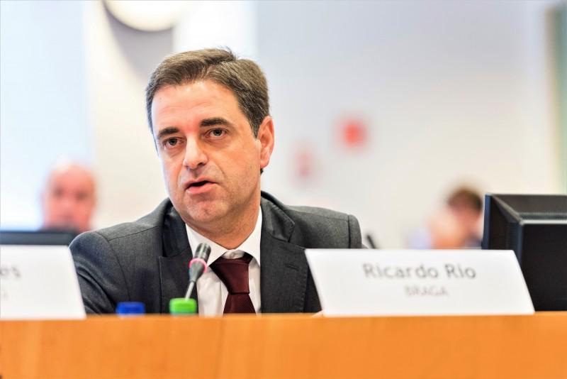 Ricardo Rio subscreve Pacto de Autarcas para implementação do Acordo Verde Europeu