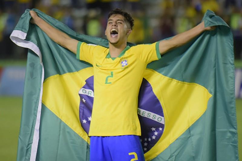 Yan Couto, lateral do city, pode chegar ao SC Braga por empréstimo
