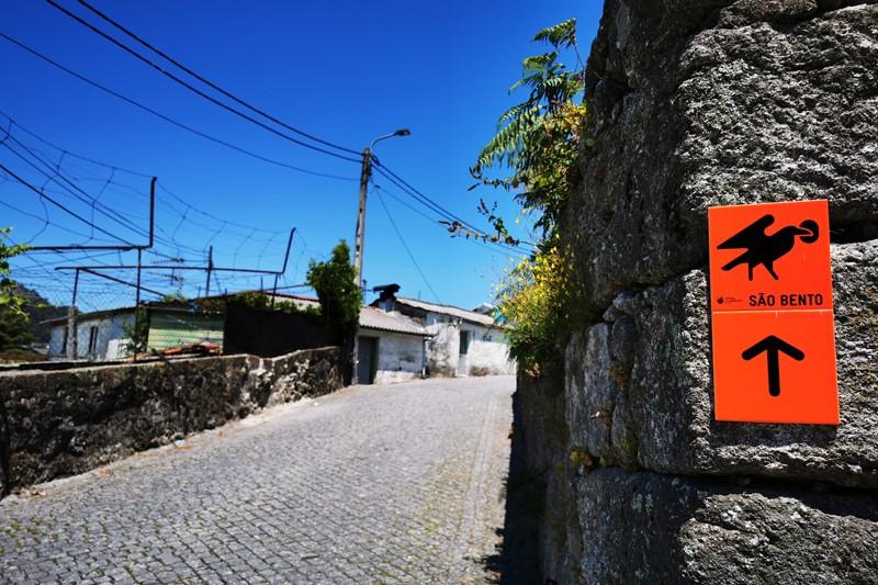 Caminho alternativo para peregrinos ao S. Bento