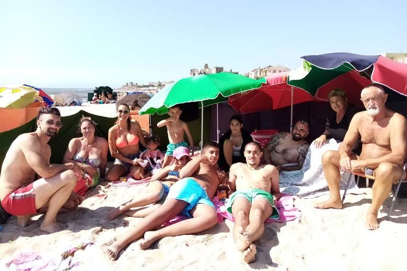 Veraneantes sentem-se bem e seguros na praia da Apúlia
