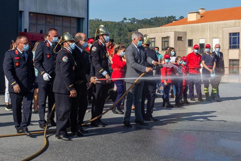 Bombeiros Voluntários da Póvoa de Lanhoso receberam sentida homenagem