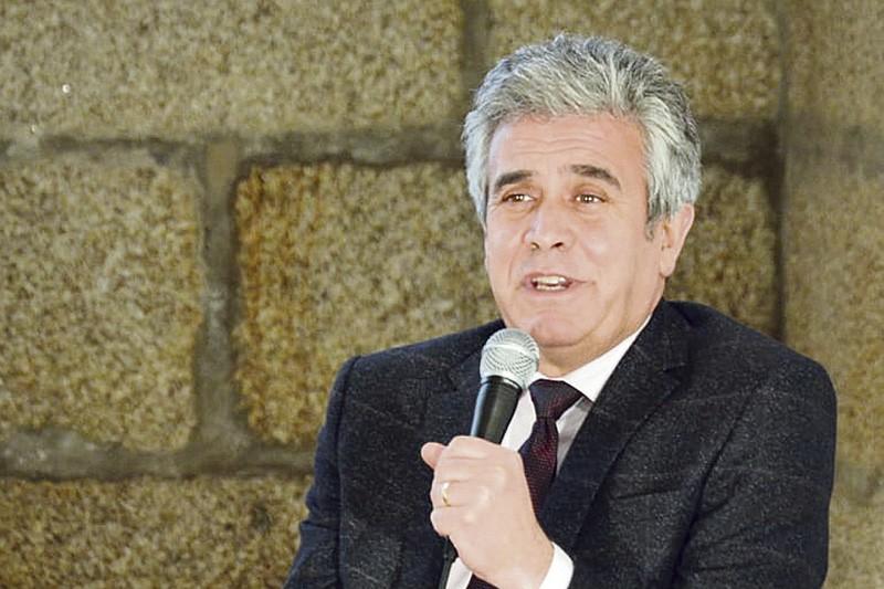 Francisco Alves reeleito com 42,09% dos votos