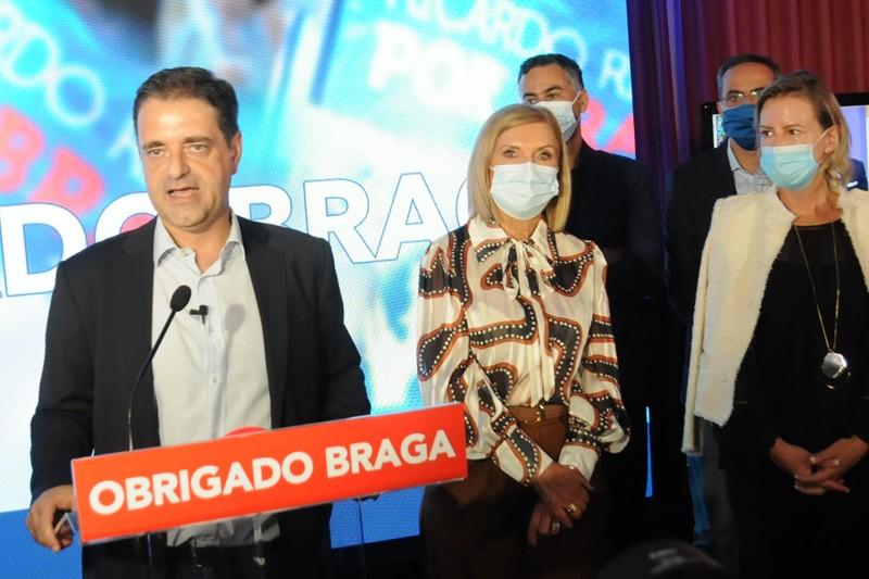 Ricardo Rio vai cumprir mandato até ao fim  marcado por materialização de projectos