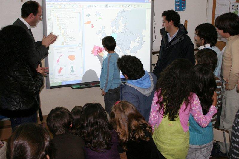 Quadros interactivos são desafio para alunos de Vieira do Minho