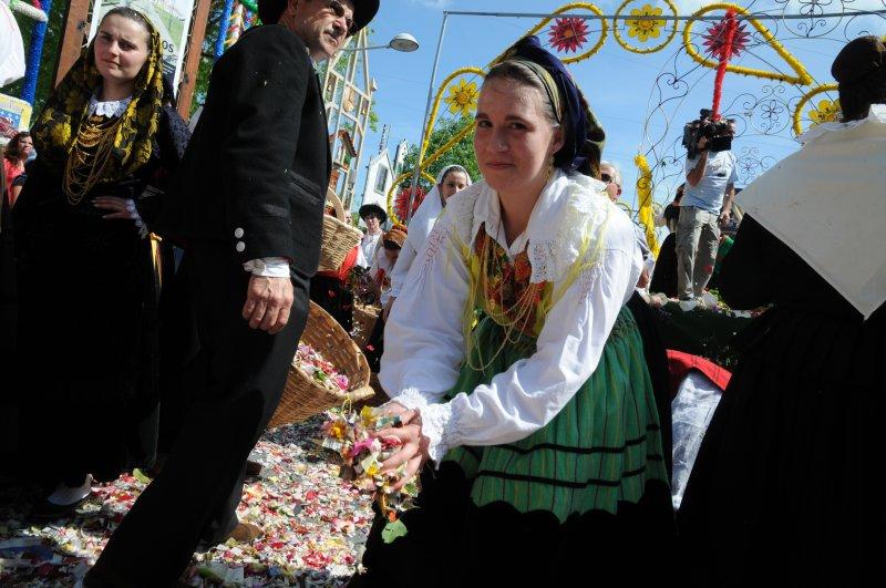 Barcelos: Flores em campo de batalha