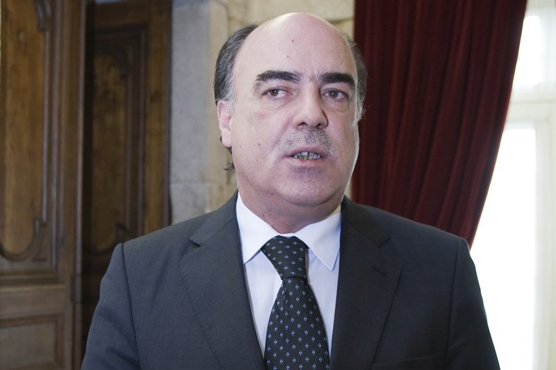 Tribunal mantém Miguel Costa Gomes em prisão domiciliária