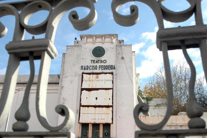 Famalicenses homenageiam industrial Narciso Ferreira