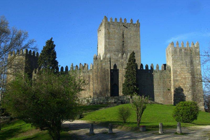 Afirmar o 24 de Junho como o dia da Fundação de Portugal